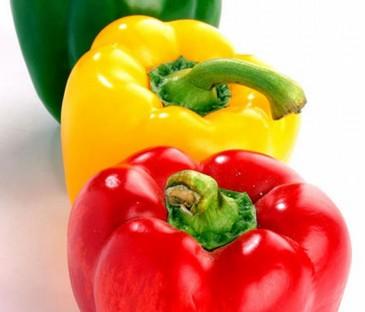 Продукты: разноцветный перец. творог, соль, зелень укропа (можно высушенную)...