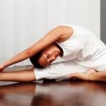 Упражнения для растяжки —  учимся садиться на шпагат