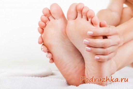Как избавиться от мозолей на пальцах ног - лечение натоптышей и мокрых мозолей